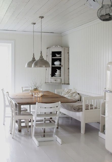 Decorate your kitchen with vintage, Swedish style!
