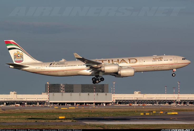 Airbus A340-541, Etihad Airways, A6-EHD, cn 783, first flight 31.10.2006, Etihad delivered 21.12.2006. His last flight 9.4.2016, flight Geneva - Abu Dhabi. Foto: Milan, Italy, 20.8.2015.