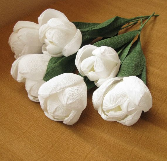 6 pcs tulips made of crepe paper. Remain for long in your home. You can use them as a decoration in your home, for a wedding decoration or a gift for