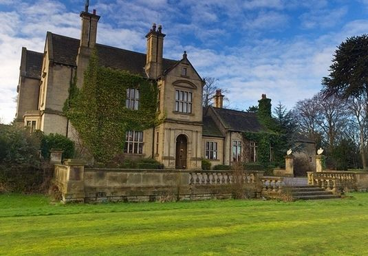 A scenic countryside retreat near Brontë Country in West Yorkshire, with a full English breakfast and a two-course dinner, plus wine and canapes