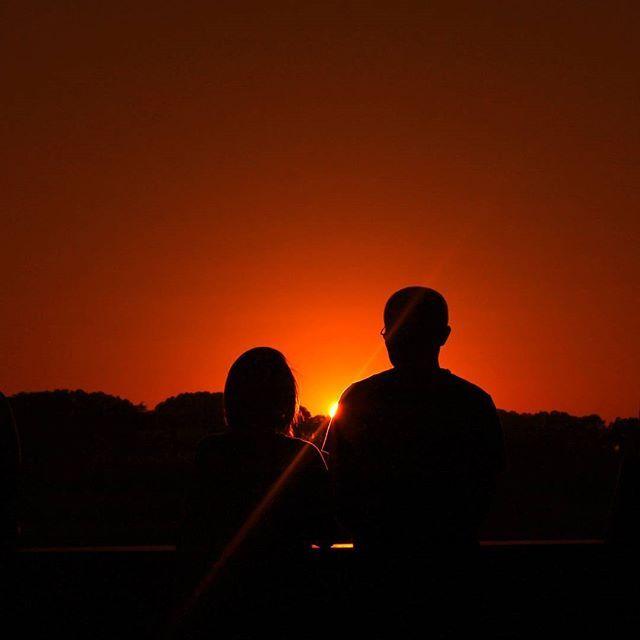 Sun is shinning for this two. Someday It will shine for me. A #sunset in my beloved #Rome . . . . . . . . . . . . #travelstoke #fotografiaunited #TravelBlog #travelstoke #MatadorN #lonelyplanet #huffpostgram #Canon #Canonphotography #GozandoEstoy #serialtraveler #iamtb #theurbanshutter #PassportHeavy #2Anoo #seekcaptureshare #adventureinyou #oursessions #bestdestination #YourTravelFriends