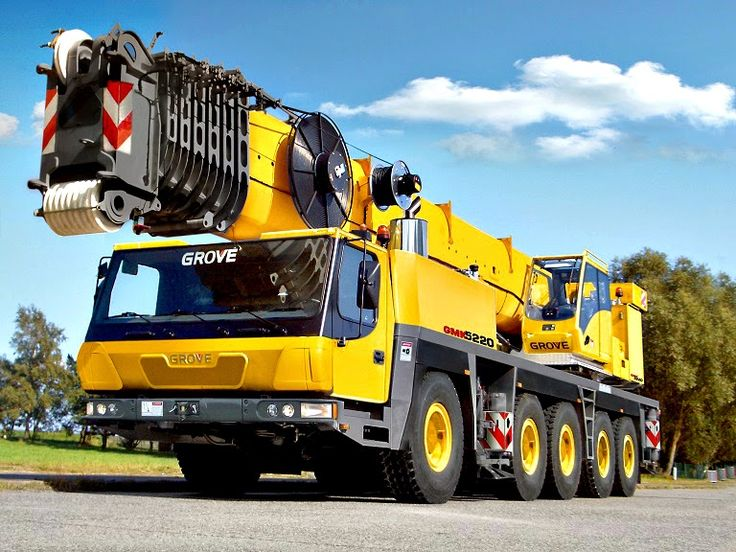 How important is the electrical grounding of mobile cranes