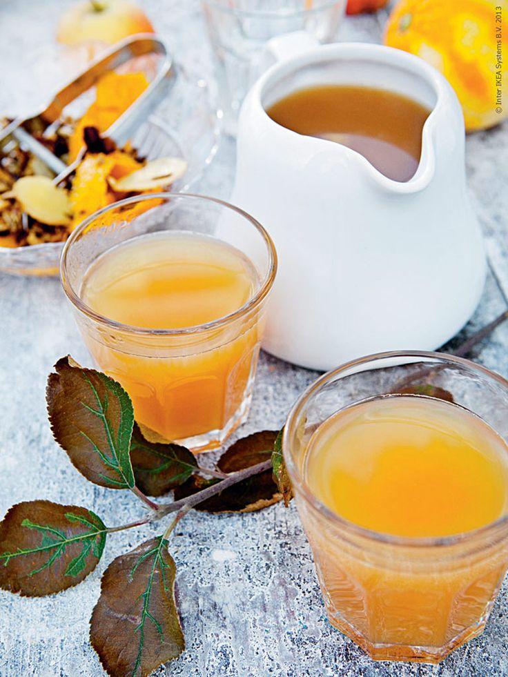 <p><strong>Ett trevligt alkoholfritt alternativ på glöggfesten är alltid uppskattat. Vi lagar en varm vinterdryck utan tillsatt socker, gjord på god ofiltrerad äppeljuice med mycket sötma. Den har en tydlig äppelsmak och är underbart grumlig i färgen. </strong></p>