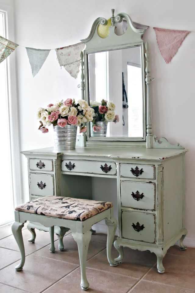 Antique Shabby Chic Vanity