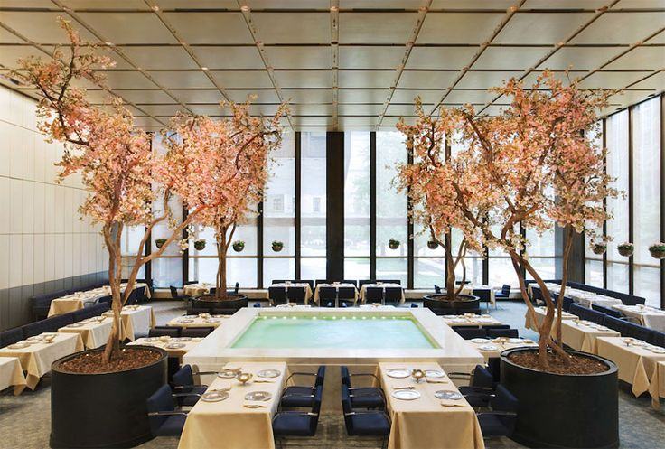 Wright to Auction Furnishings from The Four Seasons Restaurant in NYC
