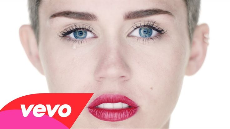 *snif* Miley Cyrus - Wrecking Ball (Director's Cut)
