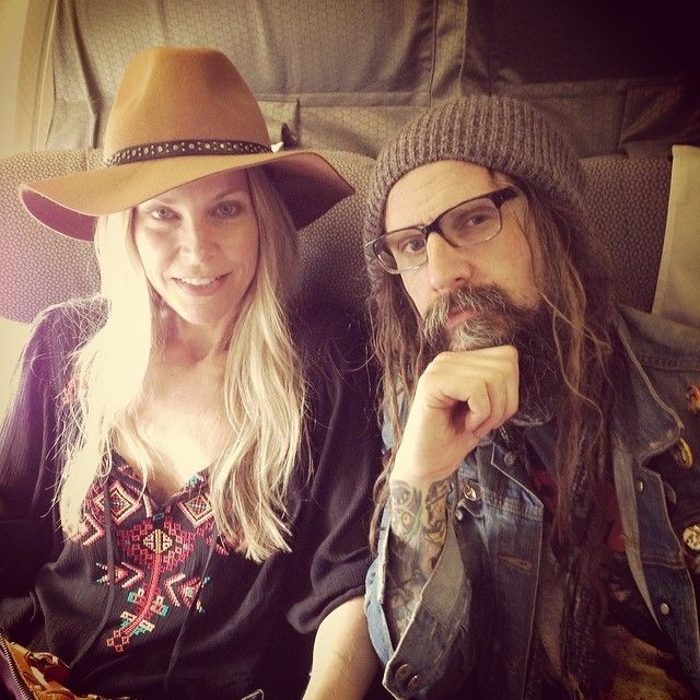 On the plane :)  - O my God - Rob Zombie and his beautiful wife Sheri Moon are so flippin' cool!