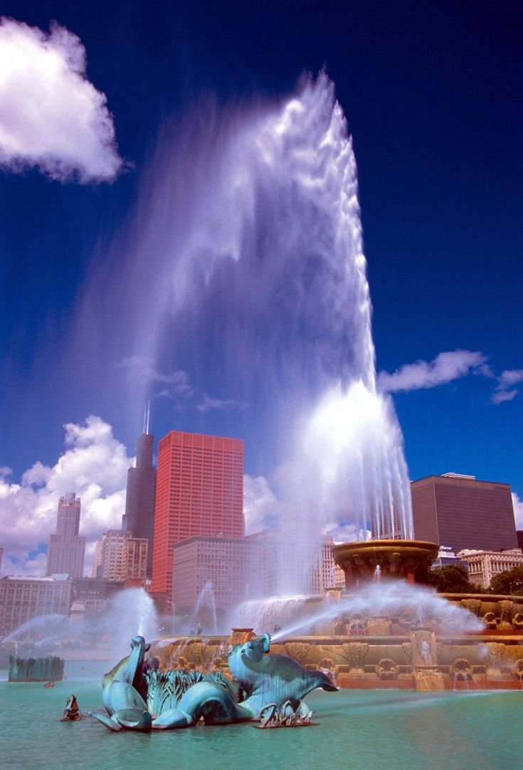 Illinois brown county versailles - Buckingham Fountain Chicago Il