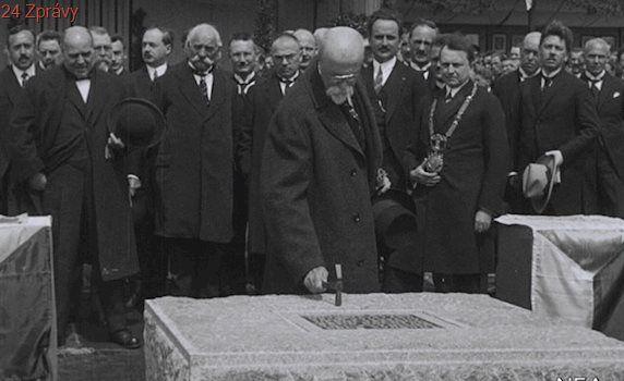 ČVUT založil Němec, studenti se učili stavět pevnosti v bytě profesora