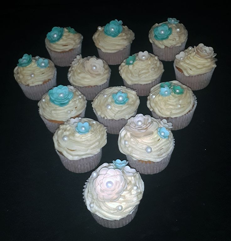 Wedding cupcakes (Decor available for sale separately) For more information & orders email SweetArtbfn@gmail.com; Call 0712127786; Follow us on Facebook https://www.facebook.com/groups/SweetArtCakesBloemfontein/