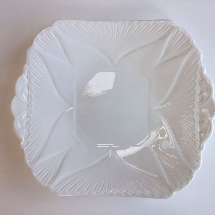 Shelley cake plate white by Vintagechinaqueen on Etsy