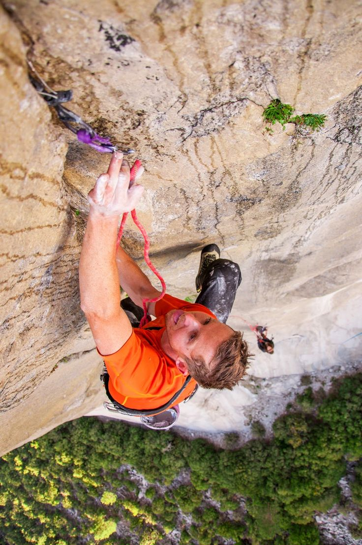 """Day 1 of the Dawn Wall Push    My phone rang at 2:15pm today. """"We're ready to blast and I just thought I'd call and let you know."""" I could hear the focus and excitement in Tommy's voice.Tommy and Kevin started up the    http://tommyandbecca.blogspot.com/2014/12/day-1-of-dawn-wall-push.html"""