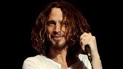 Фронтмен группы Soundgarden Крис Корнелл будет похоронен в Лос-Анжелесе 26 мая. Об этом заявило информационное агентство CNN. Тело музыканта доставят самолётом из Мичигана в Лос-Анжелес и похоронят на кладбище Hollywood Forever Cemetery. Источник сообщил, что «семья думает о создан