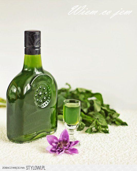 LIKIER MIĘTOWY  Składniki: 0,5 szklanki świeżych listkó…