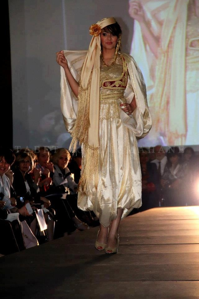 algerian fashion modern karakou dress algerian traditional outfits pinterest robes. Black Bedroom Furniture Sets. Home Design Ideas