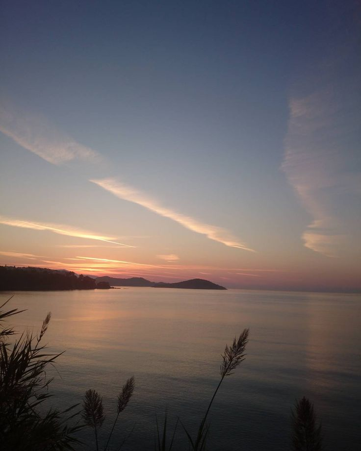 #quiet #October #mornings #Skiathos