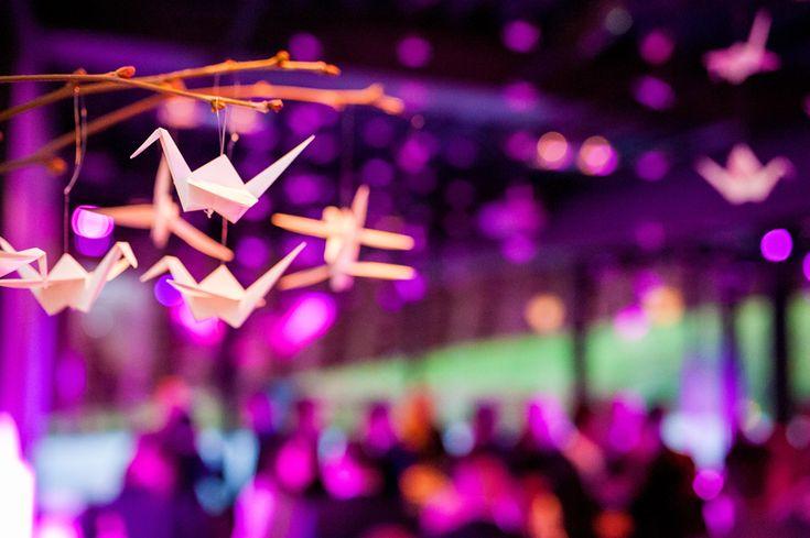 Origami kraanvogels op je bruiloft diy decoratie #wedding #origami #bruiloft