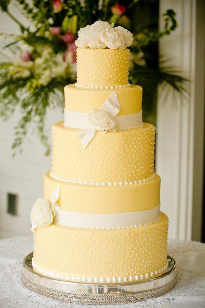 Yellow, Ribbons, Roses | Wedding Cake | Kevin Milz Photography