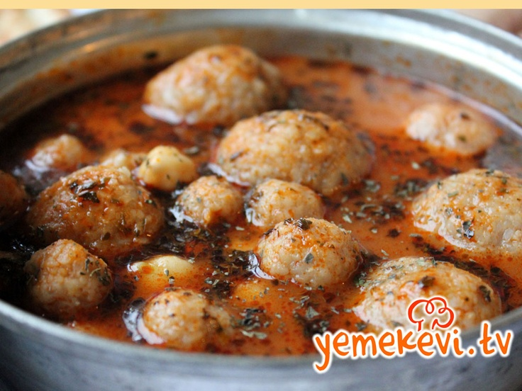 Meşhur Analı Kızlı Yemeğini yapmak o kadar da zor değil, üstelik çok lezzetli l Turkish Cuisine #turkishcuisine, www.yemekevi.tv, www.facebook.com/YemekeviTV, www.twitter.com/yemekevitv, www.youtube.com/user/fvayni