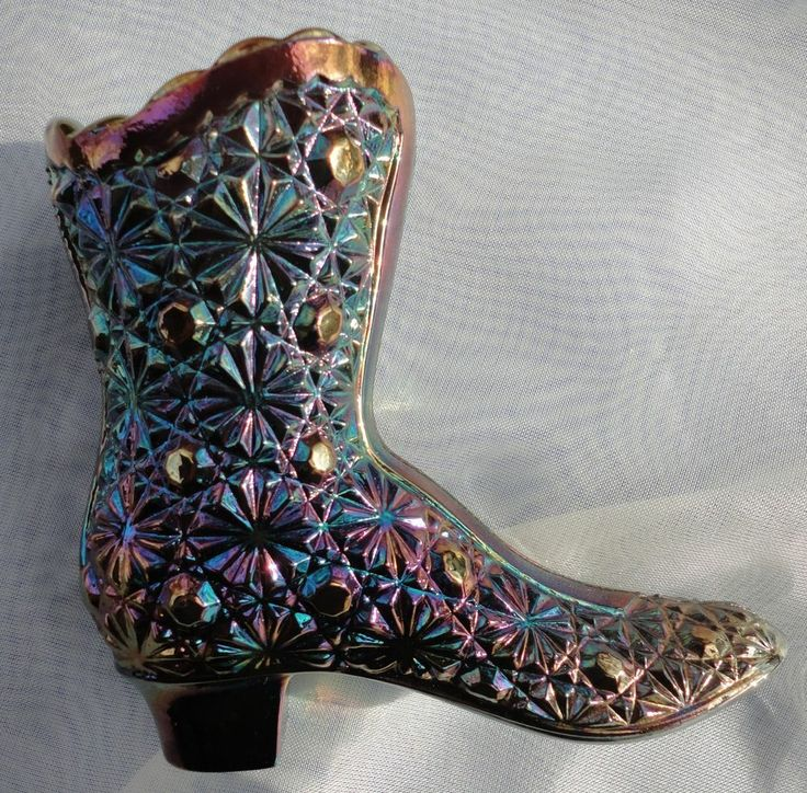 Fenton Amethyst Carnival Glass Boot Button Amp Daisy Marked Daisies Buttons And Boots