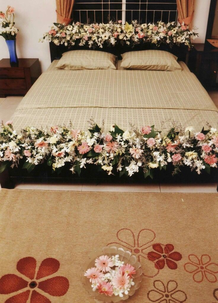 Pin By Ponchoma On Wedding Bed Decoration In 2019 Bridal