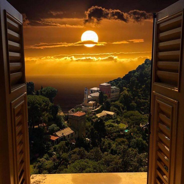 привлекает картинки вид из окна на закате которые умело используются