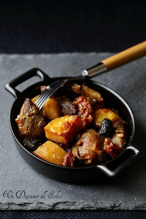 Oven braised lamb / Tava agneau au four aux pommes de terre et tomates