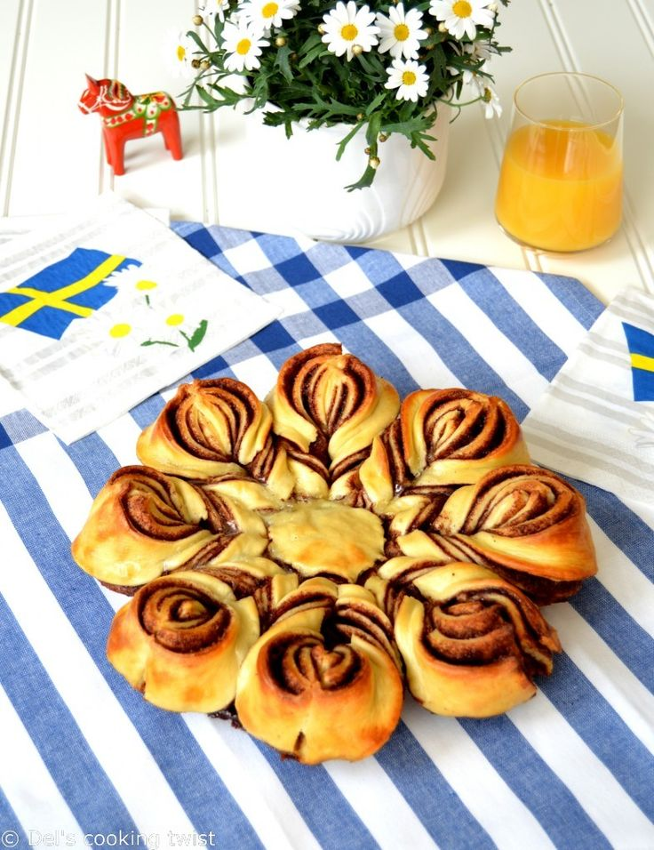 Swedish Cinnamon Star Bread (like a cinnamon bun)