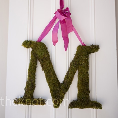Wonder how hard this is to do?Moss Letters, Moss Cov Initials, Moss Monograms, Monograms Ideas, Doityourself Ideas, Wedding Photos, Initials Decor, Weights Loss, Weights Reduction