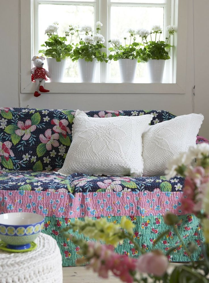 pretty blanket as an easy slipcover
