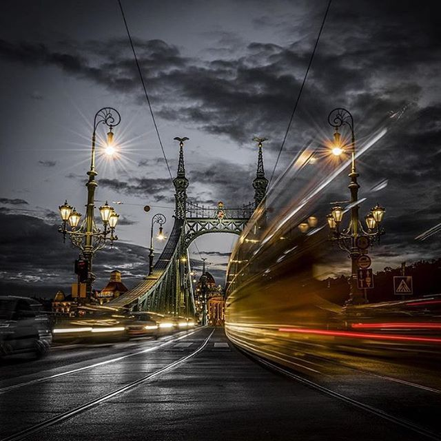 #goodnight #night #lights #libertybridge #citymoment  #budapest  #lovethiscity  Thx for the photo ---> @schober_t If you take a nice picture from Budapest, send us in instagram and if it is real good we will share it! @budapest_hungary  #budapest  #travel #instatravel  Follow us on Facebook: https://facebook.com/BudapestHungaryBlog