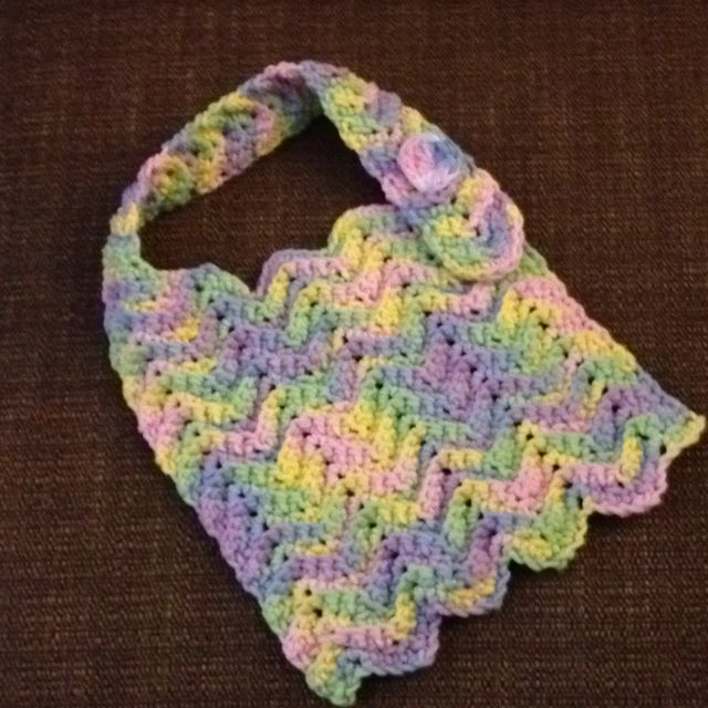Crochet Patterns Baby Bibs : 1000+ images about Crochet Baby Bibs on Pinterest Baby ...