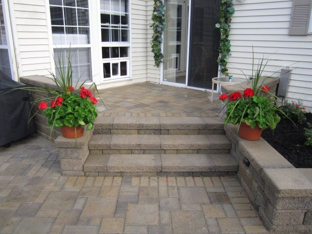 Paver steps patio raised pavers patio with landing for Pinterest patio pavers