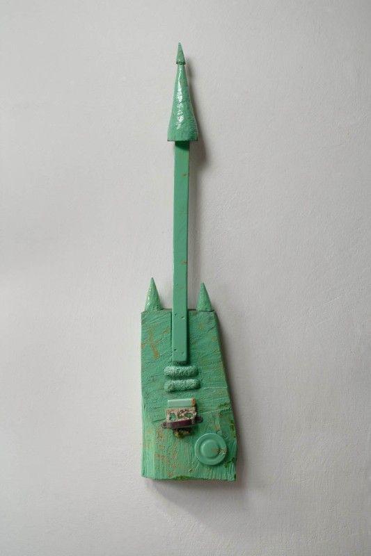 Kytara Zelená | dřevo, lak | 115 x 26 x 10 cm | 2008 | Obr.: 1/1