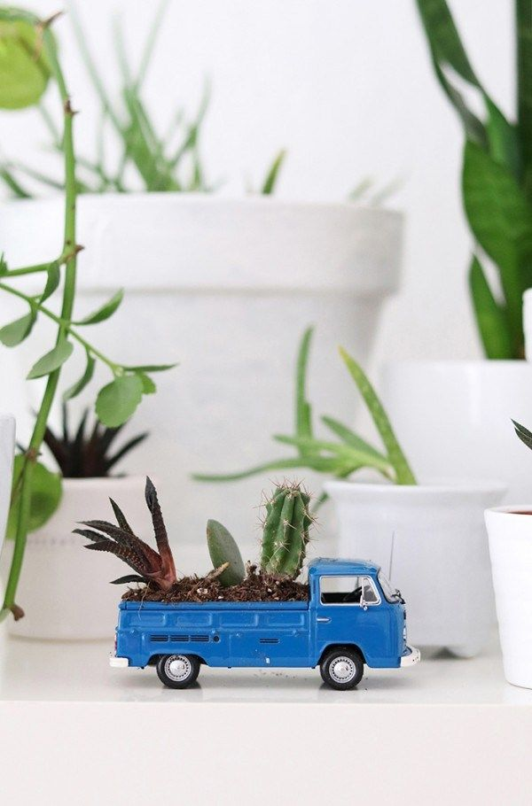 How to make a recycled toy truck succulent planter – Recycled Crafts