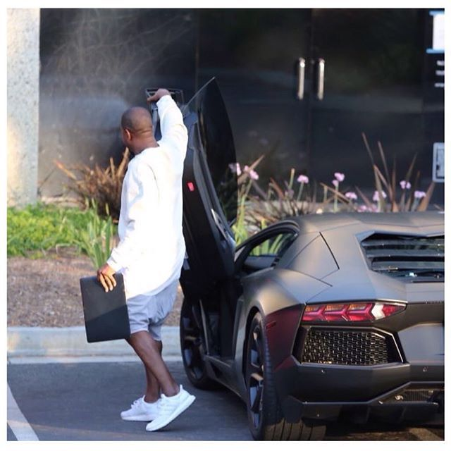 Adidas Ultra Boost Triple White Kanye West