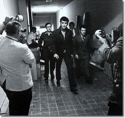 Elvis Presley 1969 - Backstage The International Hotel, Las Vegas (ELVIS is leaving the building!)