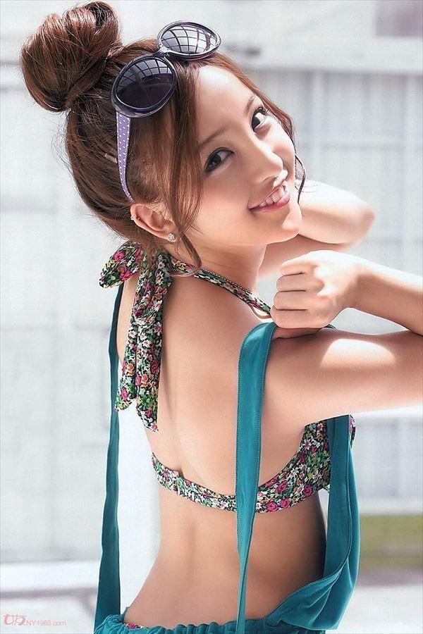 【画像】元AKB 板野友美 バニーガール姿を披露wwwの画像その10