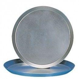 Bandeja para pizza fabricada en aluminio reforzado y estañada, con 16 mm de profundidad. Diferentes medidas a elegir. http://www.ilvo.es/es/product/bandeja-pizza---16-mm-profundidad
