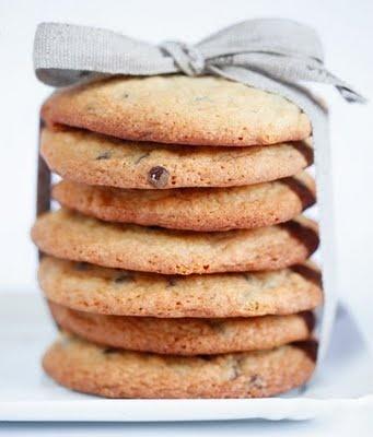 http://www.unbiscottoalgiorno.com/2011/06/chocolate-chip-cookies.html