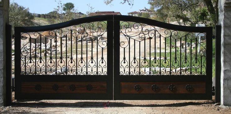 Automatic Driveway Gate Installation Magnolia TX | Solar & Gates ...