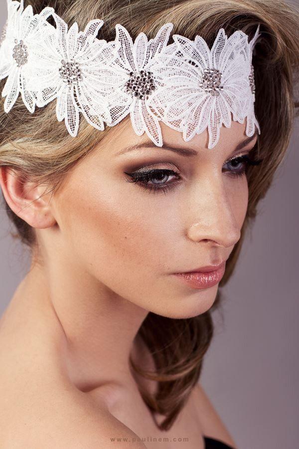 69 best mari es vanessa m images on pinterest swarovski - Coiffure avec headband ...