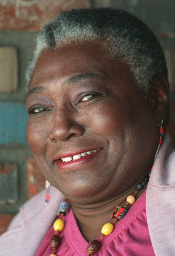 Esther Rolle, insisted on a husband for prime time tv when the producers thought otherwise. (two thumbs up)