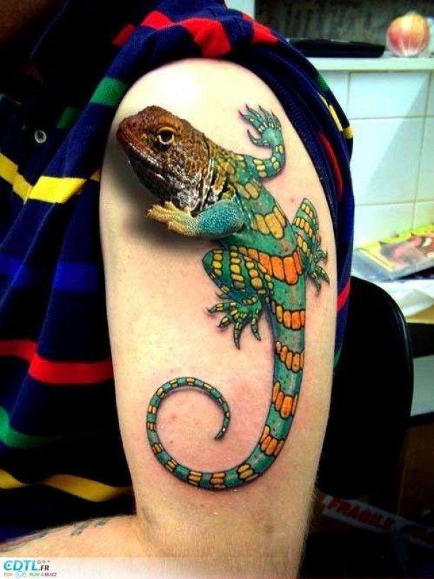 Bunte Echse in 3D Arm Tattoo