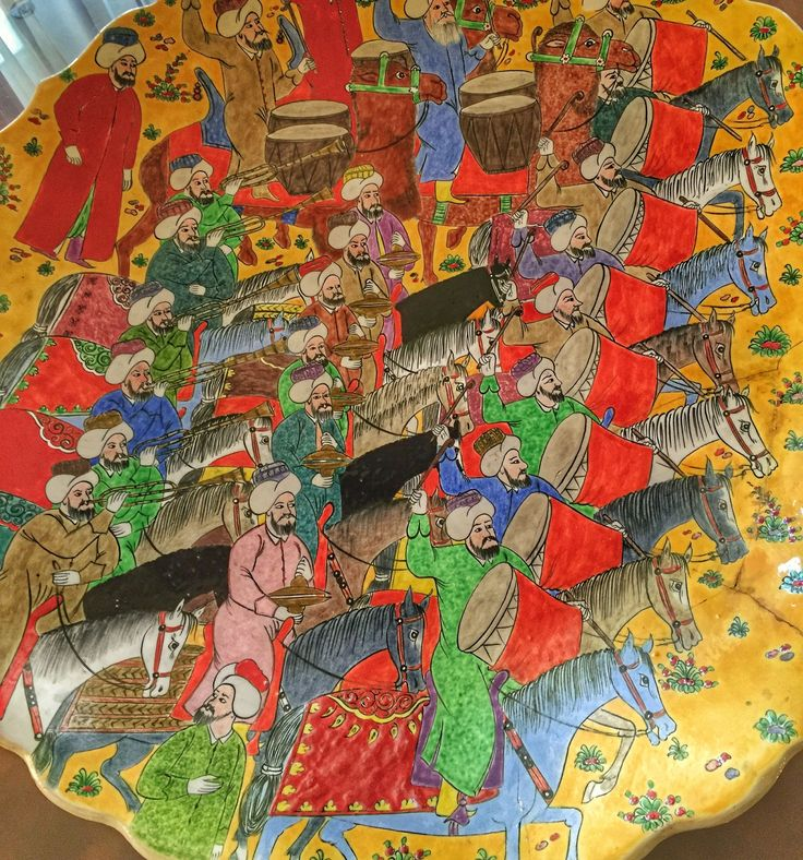 Traditional ceramic platter highlighting the beauty of Turkish art - stunning! Come and find out about our stay in Sultanahmet District of Istanbul, Turkey, including a private tour with Istanbulite Tours and a stay at the exquisite Four Seasons Hotel in Sultanahment.  Start by visiting our article here: http://www.newjetsetters.com/an-authentic-istanbul-experience-with-istanbulite/