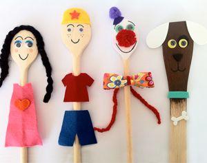Maak van pollepels grappige poppenkast poppen