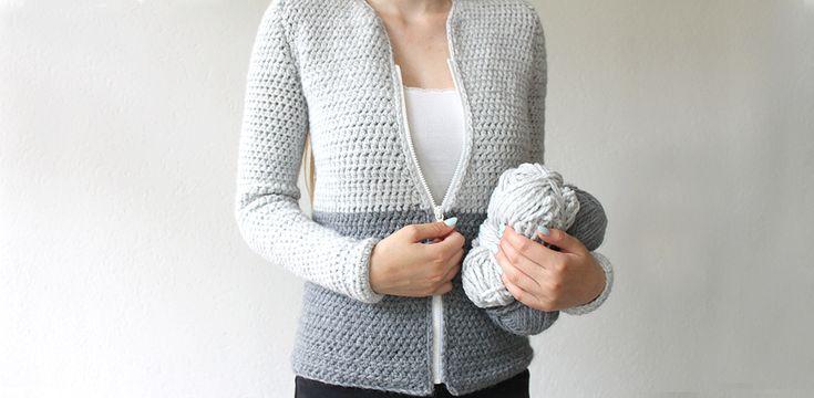 Ik heb voor het eerst een vest gehaakt. Het gratis haakpatroon vind je op dezep agina. Het is een eenvoudig patroon met alleen maar halve stokjes.