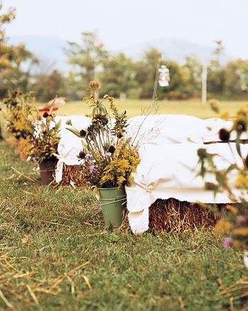haybarrel: Outdoor Wedding, Hay Bale Seats, Country Wedding, Straws Bale, Wedding Seats, Fall Wedding, Wedding Ceremony, Wild Flowers, Ceremony Seats