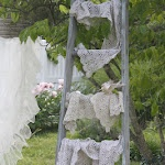 ...diy orchard ladder: Orchards Ladder, Ladder Decor, Vintage Ladder, Diy Ladder, Ladder Ideas, Ladder Display