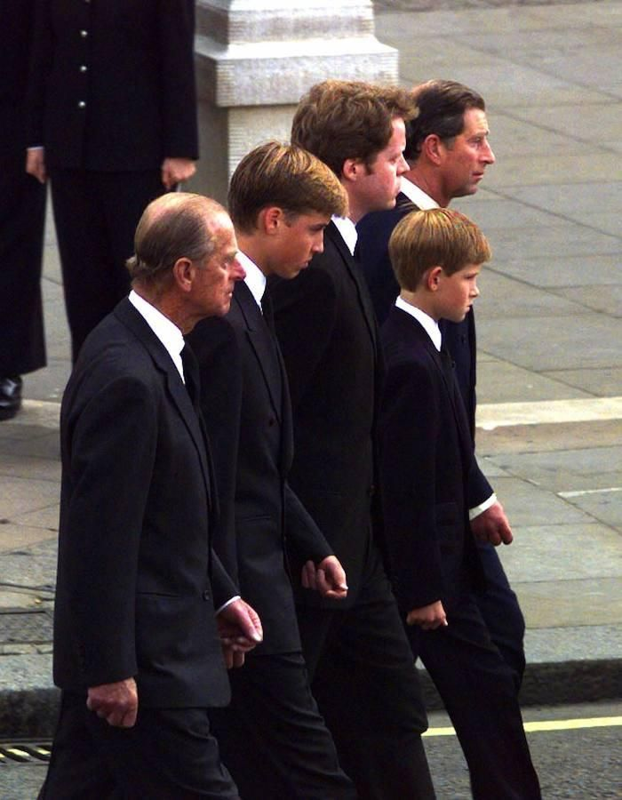 Sin embargo, dejará de participar en actos públicos de la Casa Real a partir del próximo otoño, según ha anunciado este jueves el Palacio de Buckingham en un comunicado tras la reunión convocada con todo su personal